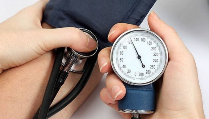bilberry capsules for lowering of blood pressure